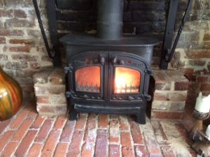 Attractive Villager Stove Swept And Glass Repaired